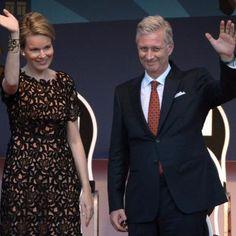 C'est la principale nouveauté de cette fête nationale: Philippe et Mathilde étaient présents au Bal national, organisé dimanche soir place du Jeu de Balle, en présence de pas moins de 15.000 participants.
