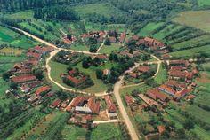 Charlottenburg - Singurul sat rotund din Romania