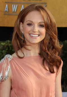 Jayma Mays red, voluminous hairstyle