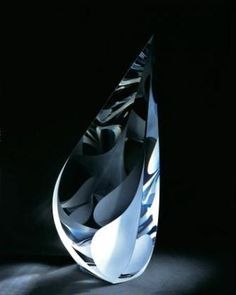 COLD WORK 'Falling Petals' cut, ground, polished, optic lead crystal glass sculpture by Christopher Ries Sculpture Art, Sculptures, Glass Museum, Art Of Glass, Glass Vessel, Glass Paperweights, Hand Blown Glass, Stained Glass, Contemporary Art