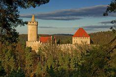 hrad-kokořín-foto-3.jpg (1250×832)