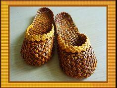 Лапти из газетных трубочек/Braided slippers - YouTube