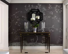Chinoiserie: be still my beating heart. Scenic Wallpaper, Love Wallpaper, Chinese Wallpaper, Painted Wallpaper, Beautiful Wallpaper, Chinoiserie Wallpaper, Chinoiserie Chic, Handmade Wallpaper, Interior Styling