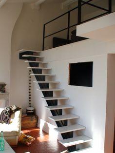 Bratt trapp til toppetasje OK... Escalier droit design