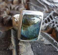 Sterling silver stone ring with blue green labradorite stone