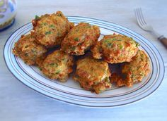 If you want to prepare a quick and simple recipe, you must try this tuna fritters recipe. Portuguese Recipes, Russian Recipes, Portuguese Food, Apple Recipes, Fish Recipes, Curry Recipes, Salmon Dishes, Food Website, Fritters