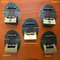 This is five style of latch and lock, every set of a latch and a lock. This beautiful old Chinese Lock would be collected ,and lock it with bin,