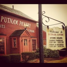 My Dad used to take us here on 'big occasions' like birthdays, first communion  graduations.    He was great friends with the owners Wink   Sally Emerson.  Great family owned business in Danvers, MA.  Best candies  ice cream in all of New England.  A must visit when in Boston.  Go to Putnam Pantry in Danvers, MA