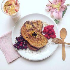 Pain perdu for our breakfast !! 🍒🍒🍒 link in my bio -> Clea's book #greenandpepperfood #petitdejeuner #desayuno #foodie #faitmaison #homemade #receta #comidadeverdade #comida #casero #foodporn #fruta #casa #foodblogger #bloguera #fruta #fruit #comer #recetas #recette #healthy #well #organico #organic #yummy #tryit #cookbook #pain #pan #barcelona #saludable @editionslaplage