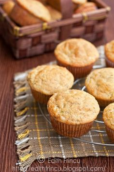 Zucchini and Cheese Muffins. Zucchini and cheese muffins (in Romanian) Milk Recipes, Brunch Recipes, Baby Food Recipes, Baking Recipes, Zucchini Muffins, Cheese Muffins, Edith's Kitchen, Bread Baking, Cooking