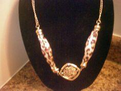 Vintage Animal Print silver tone Necklace Stunning! $25.00