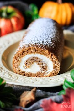 Learn how to make pumpkin roll, an easy Thanksgiving dessert, completely from scratch! Family and friends will be impressed with this elegant dessert. Thanksgiving Desserts Easy, Fall Dessert Recipes, Great Desserts, Fall Desserts, Thanksgiving Ideas, Dinner Recipes, Pumpkin Pie Bars, Pumpkin Dessert, Classic Desserts