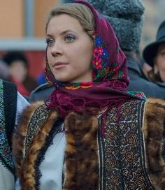 Romanian people National folk clothing (part Romanian People, Romanian Girls, Romanian Flag, History Of Romania, Ukraine, Folk Costume, Costumes, Folk Clothing, Eastern Europe