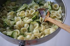 A dash of cream mingles with softened zucchini and lots of garlic in this simple summer pasta #MeatlessMonday
