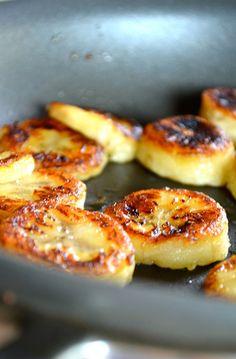 30. Fried Honey Bananas #paleo #desserts https://greatist.com/eat/paleo-dessert-recipes