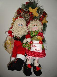 Guirlanda Papai e Mamãe Noel                                                                                                                                                                                 Mais