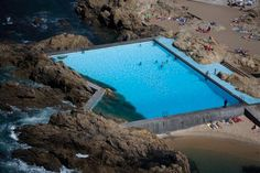 Swimming pool in Leça da Palmeira, Portugal. Photography © FG+SG fotografia de arquitectura. Click above to see larger image.