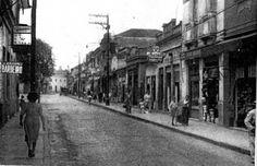 Rua da Penha (atual Avenida Penha de França) nos anos 40. Na década de 40, a então Rua da Penha tinha um comércio voltado ao turismo religioso. N. Sra. da Penha era reconhecida em toda a São Paulo como a padroeira da cidade