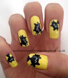 Unhas pintadas e decoradas de Amarelo