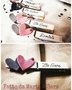 "Mollette segnaposto battesimo Sara Sangregorio (@sarasangregorio) su Instagram: ""Ad ognuno il suo posto!!! #segnaposto #family #familyatparty #mollette #molletta #mollettedecorate…"" Diy Gift Box, Diy Box, Christmas Time, Xmas, Church Crafts, Secret Santa Gifts, Cute Wedding Ideas, Wedding Place Cards, Valentine Decorations"