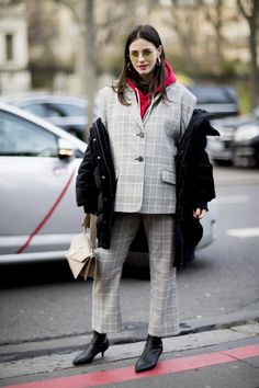 Laissez-faire is the new chic: how to wear your jackets right now
