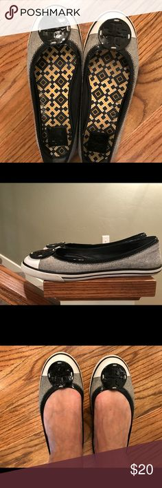 Tory Butch Flat Unique style, gently used. Tory Burch Shoes Flats & Loafers