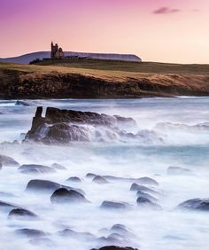 """""""Mi piace"""": 10.6 mila, commenti: 93 - Ireland (@tourismireland) su Instagram: """"Evening mists rolling in from the Atlantic make Mullaghmore Head look like a fantasy world, and the…"""""""