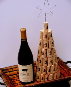 If you like diy crafts then this post is for you. Chrismas will be here in about a month so ou need start think about your Christmas decorations. A very nice creative and cheap idea is Diy Cork Christmas tree and ornaments. Wine Craft, Wine Cork Crafts, Wine Bottle Crafts, Cork Christmas Trees, Christmas Wine, Christmas Decorations, Xmas Tree, Bottle Decorations, Diy Cork