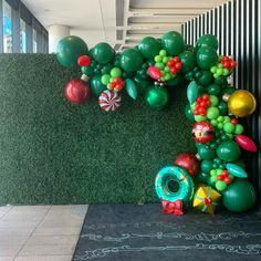 Balloon Bouquet, Balloon Arch, Balloon Garland, Balloon Decorations, Birthday Decorations, Christmas In July, Christmas Themes, Christmas Decorations, Xmas