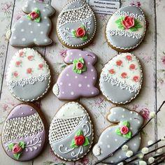 Floral Eggs Easter Cookies, Holiday Cookies, Cupcake Cookies, Cookie Time, Cookie Swap, Iced Sugar Cookies, Sugar Icing, Cookie Frosting, Sweet Cookies