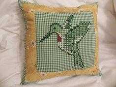 Free Chicken Scratch Quilt Pattern | Yep, I made a pillow out of my chicken scratch design!