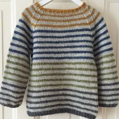 Diy Crafts - Ravelry: Striped Lama pattern by PixenDk Baby Knitting Patterns, Baby Sweater Knitting Pattern, Jumper Knitting Pattern, Baby Boy Knitting, Crochet Baby Cardigan, Jumper Patterns, Knitting For Kids, Mens Striped Sweater, Striped Sweaters