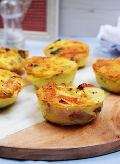 Healthy Meals Make Ahead - Bacon - Cheese - Veg - Breakfast Muffins - Gluten Free, Low Carb, Syn Free on Slimming World - Delicious egg breakfast muffins, filled with cheese, bacon and veg.the perfect way to start the day! Slimming World Breakfast Muffins, Syn Free Breakfast, Healthy Breakfast Muffins, Slimming World Quiche, Breakfast Quiche, Bacon Breakfast, Breakfast Meals, Health Breakfast, Breakfast Time