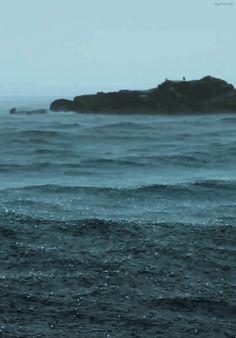 Rain on water / ocean / melancholy / gif / scenery Gif Chuva, Beautiful World, Beautiful Places, Good Vibe, Love Rain, Am Meer, Rain Drops, Images Gif, Rainy Days