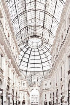 @AdelineLeeuw     Galleria, Milan | Photo by Matthijs Kok