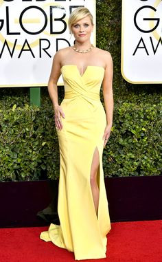 Reese Witherspoon - 2017 Golden Globes Red Carpet