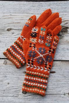 Estonian traditional gloves knit gloves pure wool gloves by UNDIIN