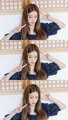 Blackpink Jisoo, Kim Jennie, South Korean Girls, Korean Girl Groups, Black Pink ジス, Lisa Blackpink Wallpaper, Blackpink Photos, Blackpink Fashion, Poses