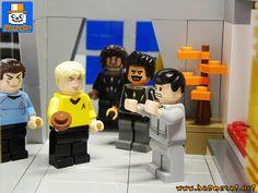 More photos of my custom Star Trek TOS model, the station diorama. Lego Star Trek, Star Trek Tos, Lego Creations, Fans