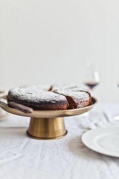Honey Almond Olive Oil Cake