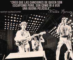 QUEEN  Las raíces más remotas de Queen, provienen de 1968, cuando el guitarrista Brian May y el baterista Roger Taylor se unieron con el cantante Tim Staffell a un conjunto llamado Smile, un grupo de hard rock psicodélico