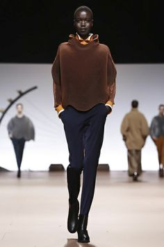 Issey Miyake Ready To Wear Fall Winter 2014 Paris - NOWFASHION