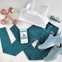 Studio Tone It Up essentials ♀️It's all about arms 'n abs! ♀️ I had so much fun working out with girls in the Studio. Dance Workout Clothes, Cute Workout Outfits, Workout Attire, Sporty Outfits, Athletic Outfits, Athletic Wear, Workout Wear, Gym Outfits, App Workout