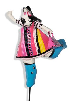 Laure Krug Laura Lee, Snow White, Disney Princess, Disney Characters, Contemporary Sculpture, Artist, Woman, Snow White Pictures, Disney Princes