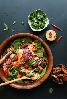 Blissed out thai salad with marinated peanut tempeh! Salad Recipes, Vegan Recipes, Cooking Recipes, Baker Recipes, Noodle Recipes, Cooking Tips, Whole Food Recipes, Dinner Recipes, Dinner Ideas
