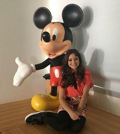 Karol Sevilla Disney Channel, Pretty Little Liars, Sofia Carson, Son Luna, Cartoon Characters, Youtubers, Mickey Mouse, Celebrities, Celebs