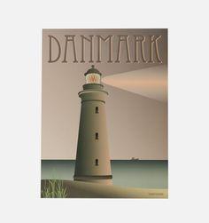 Fyret - Det smukke fyrtårn viser vej for sømændende. Her ses det, hvordan de mørkere pasteller giver illusionen af en sen sommeraften. Fås i A5, 30x40 og 50x70.     Vissevasses plakater er tegnet i dyb kærlighed til det rene grafiske og simple udtryk. Ud over at have et alvorligt crush på mint-tyrkise farver og bløde pasteller, kommer inspirationen til farverne fra de Københavnske irrede kobber tårne, Art deco-perioden og den legendariske regnbueis.