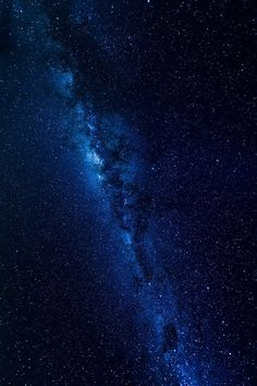 Space Stars The Milky Way by Patrick Wormsley - Night Sky Wallpaper, Wallpaper Space, Dark Wallpaper, Blue Galaxy Wallpaper, Latest Wallpaper, Space Backgrounds, Wallpaper Backgrounds, Iphone Wallpaper, Galaxy Painting