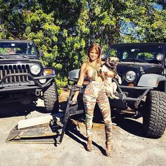 From http://jeepflow.com/tagged/jeepgirl/page/3