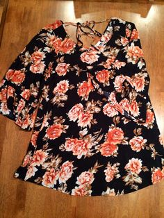 How perfect is this floral?? Edgy-romance